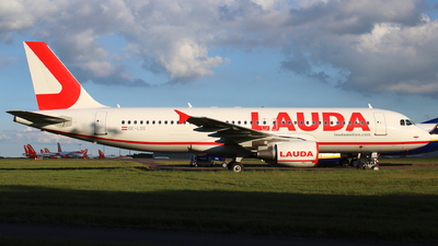 A picture of OELOS - Airbus A320214 - Laudamotion - © Dave Potter