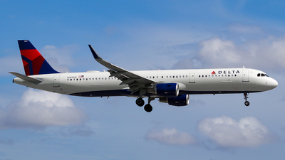 A picture of N101DQ - Airbus A321211 - Delta Air Lines - © wilfredo torres