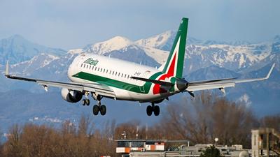 A picture of EIRDF - Embraer E175STD - Alitalia - © Stefano R
