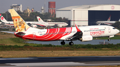 VT-AXI - Boeing 737-8HJ - Air India Express