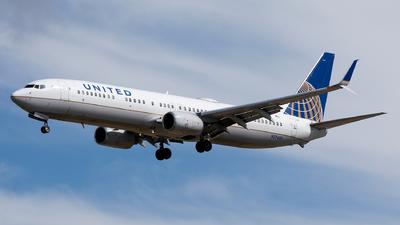 N37422 - Boeing 737-924ER - United Airlines