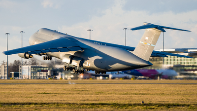 87-0045 - Lockheed C-5M Super Galaxy - United States - US Air Force (USAF)