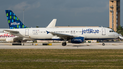 A picture of N587JB - Airbus A320232 - JetBlue Airways - © Pat Leinweber