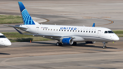 A picture of N78361 - Embraer E175LL - United Airlines - © Yixin Chen