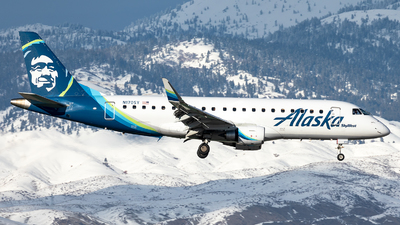 A picture of N170SY - Embraer E175LR - Alaska Airlines - © CJMoeser