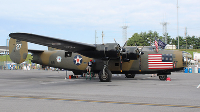 N24927 - Consolidated B-24 Liberator - Commemorative Air Force