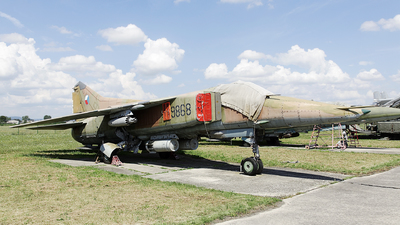 9868 - Mikoyan-Gurevich MiG-23BN Flogger H - Czech Republic - Air Force