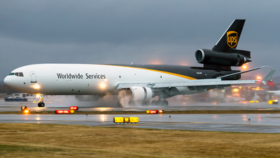 A picture of N262UP - McDonnell Douglas MD11F - UPS - © Steve Rinde
