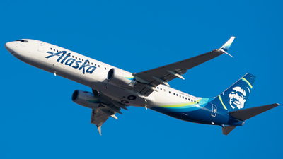 A picture of N472AS - Boeing 737990(ER) - Alaska Airlines - © Skier737