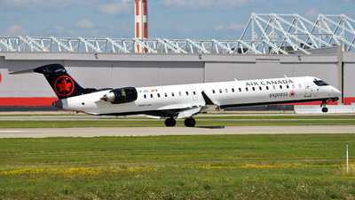 C-FJZL - Bombardier CRJ-900LR - Air Canada Express (Jazz Aviation)