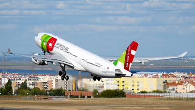 A picture of CSTOO - Airbus A330202 - TAP Air Portugal - © Rui Marques