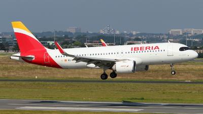 A picture of ECNCM - Airbus A320251N - Iberia - © Marcel Schmidt