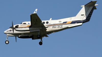A picture of PHZCZ - Beechcraft 200 Super King Air - [BB1281] - © Ian Howat