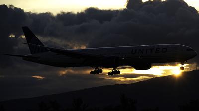 N2250U - Boeing 777-300ER - United Airlines