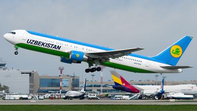 UK67006 - Boeing 767-33P(ER) - Uzbekistan Airways