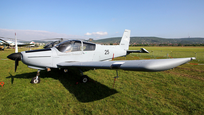 25 - Zlin 143LSi - Hungary - Air Force