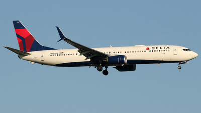 A picture of N882DN - Boeing 737932(ER) - Delta Air Lines - © stefano castelli