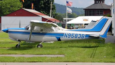 A picture of N9583B - Cessna 172RG Cutlass RG - [172RG0898] - © Dave Lu