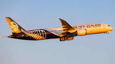 A picture of ZKNZF - Boeing 7879 Dreamliner - Air New Zealand - © Dominic Oakes