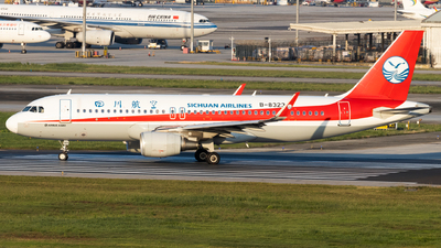 A picture of B8323 - Airbus A320214 - Sichuan Airlines - © zzy020213