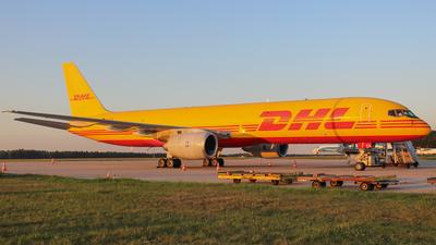 D-ALEK - Boeing 757-236(SF) - DHL (European Air Transport)
