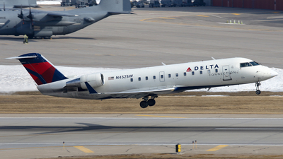 N452SW - Bombardier CRJ-200ER - Delta Connection (SkyWest Airlines)