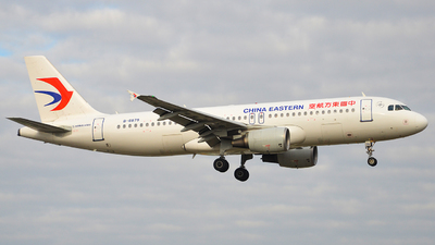 A picture of B6879 - Airbus A320214 - China Eastern Airlines - © Morrisssssssss