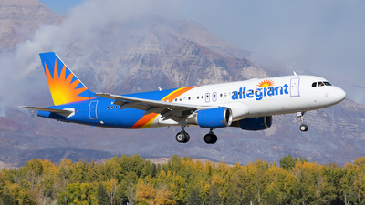 A picture of N262NV - Airbus A320214 - Allegiant Air - © Michael Rodeback