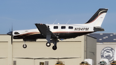 A picture of N194PM - Piper PA46350P Malibu Mirage - [4622146] - © Giuseppe Battioli