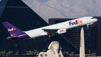 A picture of N959FD - Boeing 757236(SF) - FedEx - © Jan H