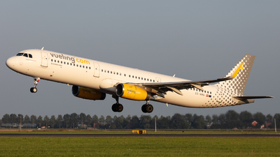 EC-MMU - Airbus A321-231 - Vueling