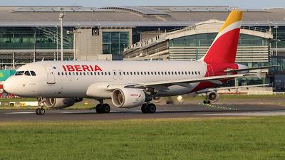 EC-KOH - Airbus A320-214 - Iberia