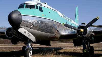 C-GBNV - Douglas DC-4 - Buffalo Airways