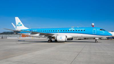 A picture of PHEZM - Embraer E190STD - KLM - © Martin Rogosz