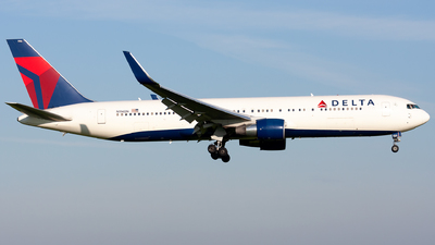 N196DN - Boeing 767-332(ER) - Delta Air Lines