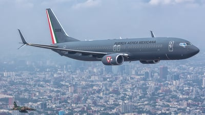 3528 - Boeing 737-8ZY - Mexico - Air Force