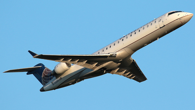 N742SK - Bombardier CRJ-701 - United Express (SkyWest Airlines)