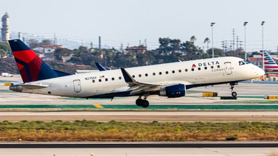 N275SY - Embraer 170-200LL - Delta Connection (SkyWest Airlines)