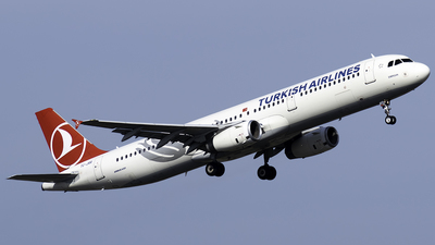 A picture of TCJRR - Airbus A321231 - Turkish Airlines - © Taha Berat