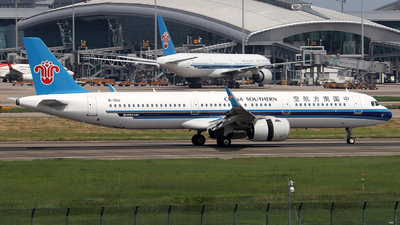 A picture of B301U - Airbus A321271N - China Southern Airlines - © Samuel Pan