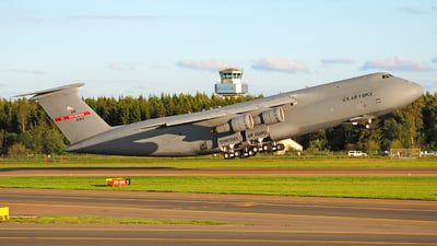 69-0014 - Lockheed C-5A Galaxy - United States - US Air Force (USAF)