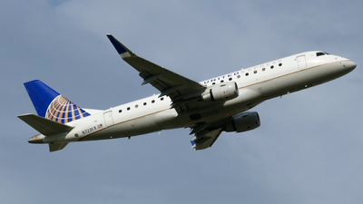 A picture of N723YX - Embraer E175LR - United Airlines - © Seth The Spotter