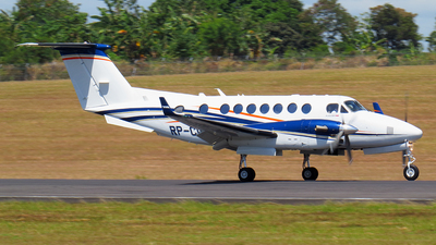 RP-C1628 - Beechcraft B300 King Air 350i - Private