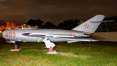 405 - Mikoyan-Gurevich MiG-17PF Fresco D - Hungary - Air Force