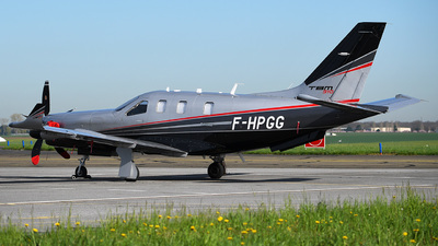 A picture of FHPGG - Socata TBM910 - [1193] - © bruno muthelet