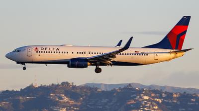 N386DA - Boeing 737-832 - Delta Air Lines