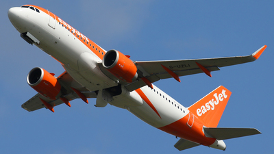 A picture of GUZLI - Airbus A320251N - easyJet - © Nigel Fenwick