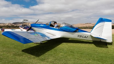 VH-LAJ - Vans RV-7 - Silver Sharks Acrobatic Team