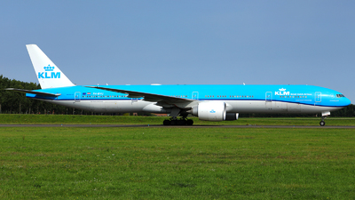 A picture of PHBVU - Boeing 777306(ER) - KLM - © R. Eikelenboom