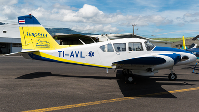 TI-AVL - Piper PA-23-250 Aztec D - Aerodiva